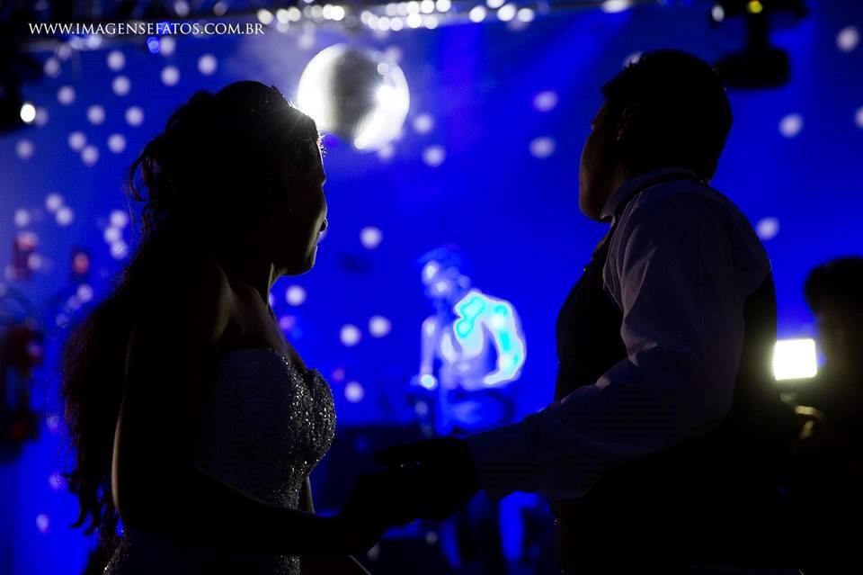 iluminação colorida casamento