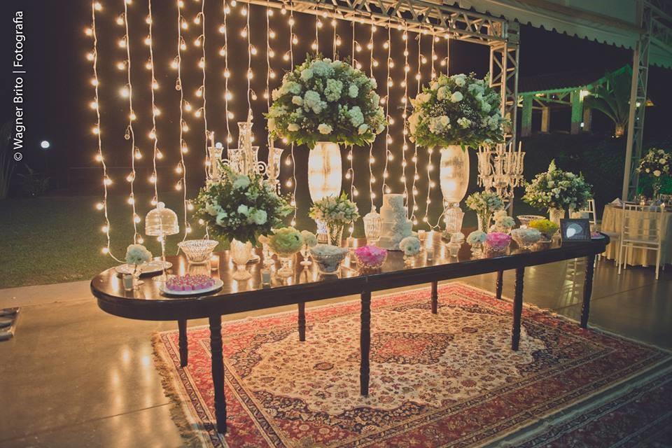 decoração bem iluminada para o casamento